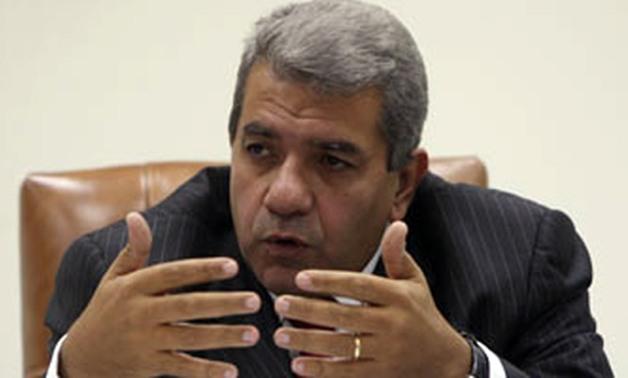 د . عمرو الجارحى  وزير المالية