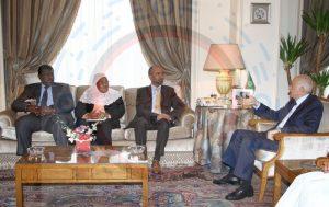 هيئة مكتب البرلمان العربي تجتمع مع الأمين العام لجامعة الدول العربية (3) [800x600]