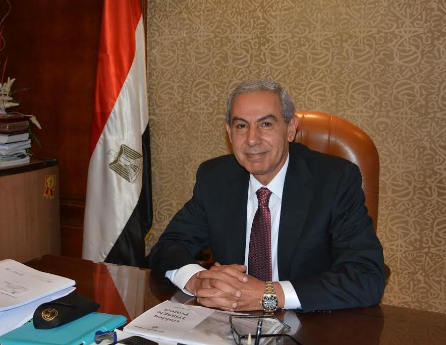 وزير الصناعة والتجارة  طارق قابيل