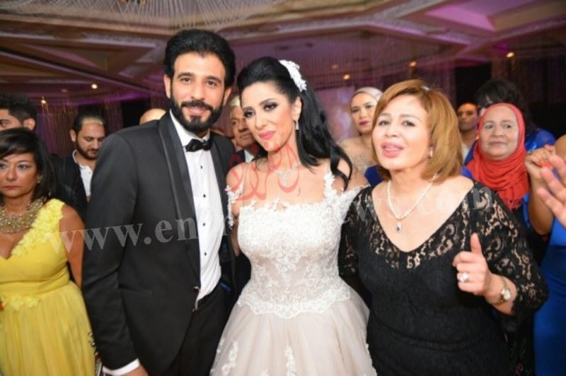 صور حفل زفاف حنان مطاوع (4) [800x600]