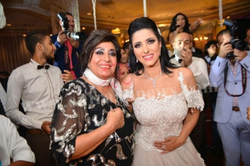 صور حفل زفاف حنان مطاوع (5) [800x600]